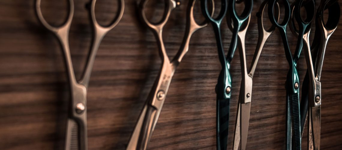 Shears-on-wooden-background-1800px